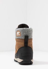 Sorel - YOUTH WHITNEY SHORT LACE - Snowboot/Winterstiefel - camel - 4