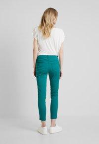 Soyaconcept - SHADI POWER - Pantalon classique - ivy green - 2