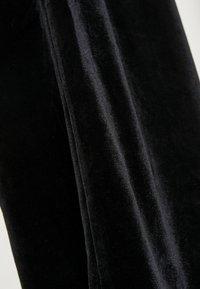 Soyaconcept - POPPY - Pantaloni - black - 5