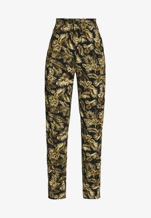 GEDDI - Pantalones - army combi