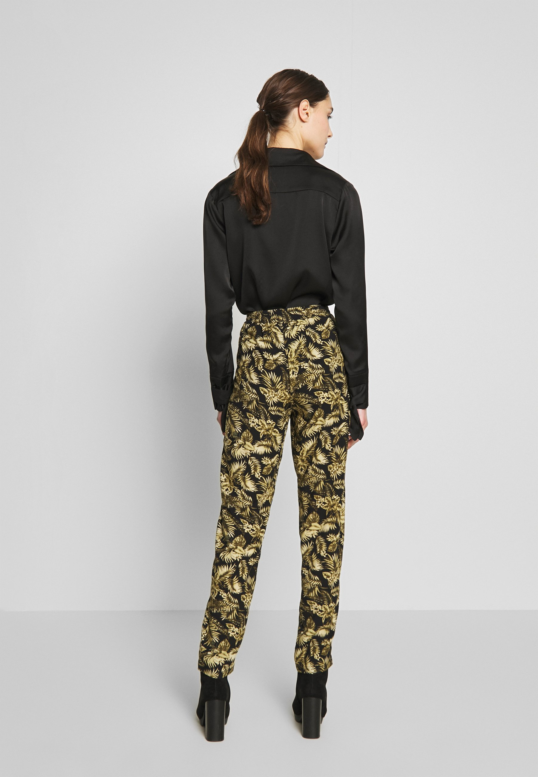 Soyaconcept GEDDI - Spodnie materiałowe - army combi
