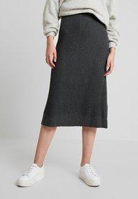 Soyaconcept - DOLLIE - Spódnica trapezowa - dark grey melange - 0