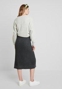 Soyaconcept - DOLLIE - Spódnica trapezowa - dark grey melange - 2