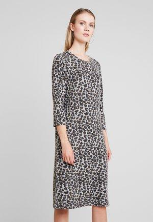 ALBIKA  - Strikket kjole - grey melange combi