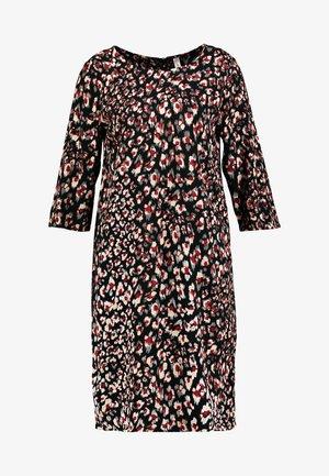 BERLIN - Denní šaty - cabernet combi