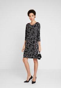 Soyaconcept - CLARISSA - Strikket kjole -  black combi - 2