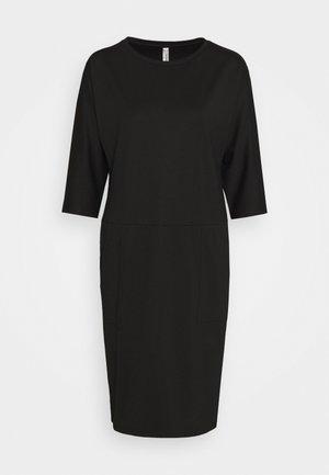 SC-DENA SOLID 131 - Žerzejové šaty - black