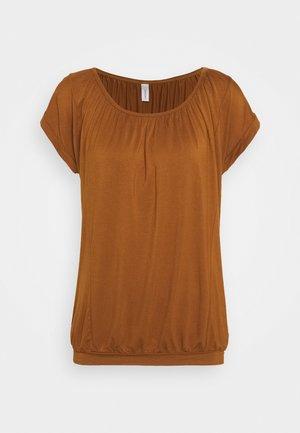 SC-MARICA 4 - T-shirts - dark caramel