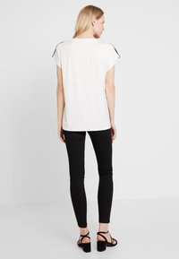 Soyaconcept - MARICA - T-shirt con stampa - ivy/green - 2