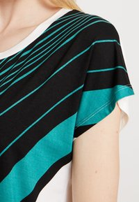 Soyaconcept - MARICA - T-shirt con stampa - ivy/green - 5