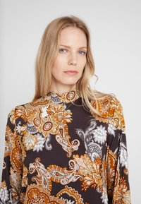 Soyaconcept - MARICA - Langærmede T-shirts -  dark earth combi - 3