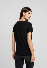 Soyaconcept - NAIMA - T-shirt med print - black - 2