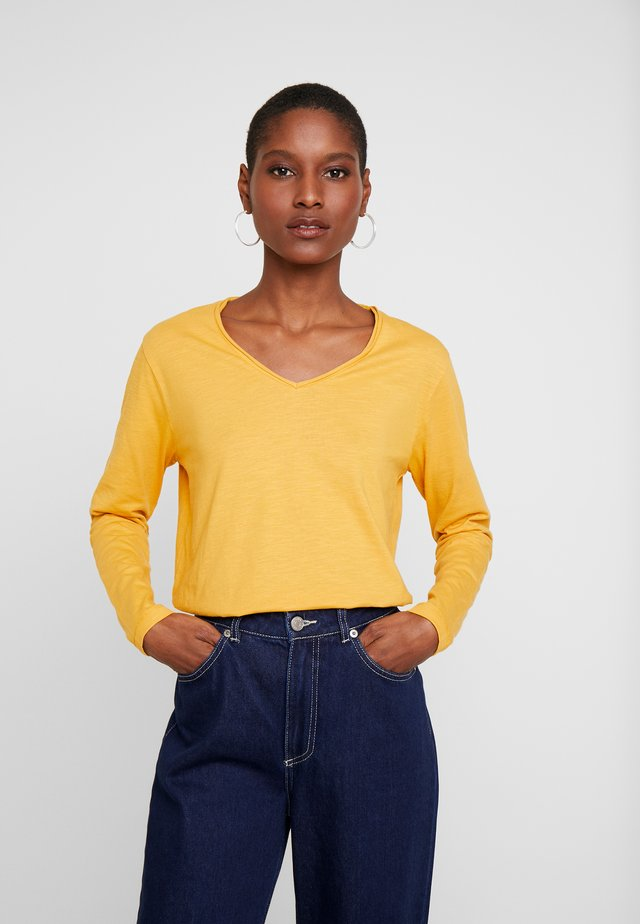 BABETTE - Jersey de punto - honey yellow