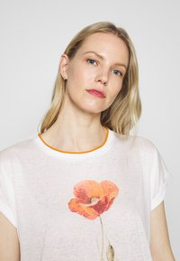 Soyaconcept - T-shirts med print - offwhite - 4