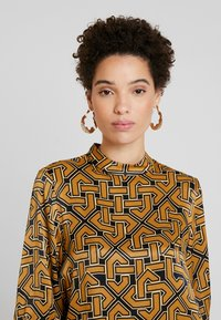 Soyaconcept - CELENE - Blouse - golden brown combi - 3
