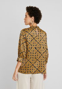 Soyaconcept - CELENE - Blouse - golden brown combi - 2