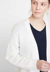 Soyaconcept - REMONE - Cardigan - offwhite - 4