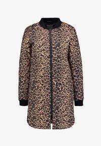 Soyaconcept - FENYA - Krátký kabát - black combi - 4