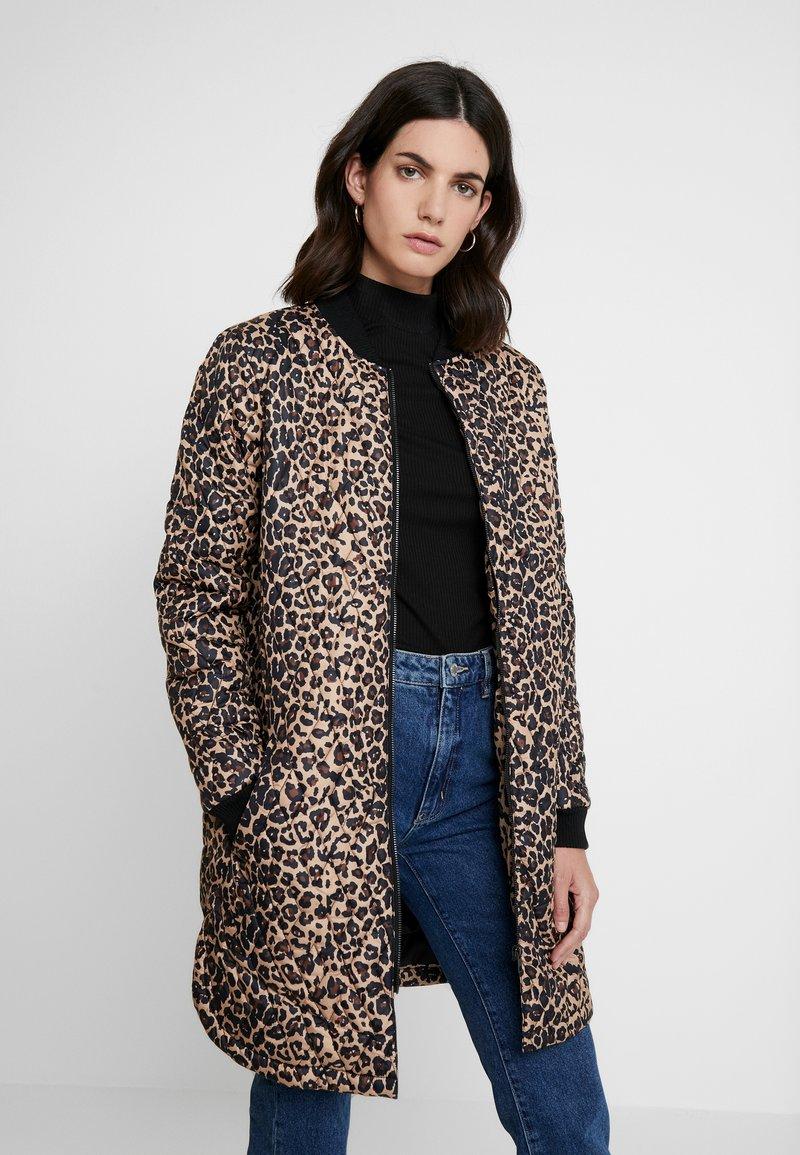 Soyaconcept - FENYA - Krátký kabát - black combi