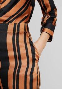 Soaked in Luxury - MOLLIE PANTS - Bukser - pecan brown - 3