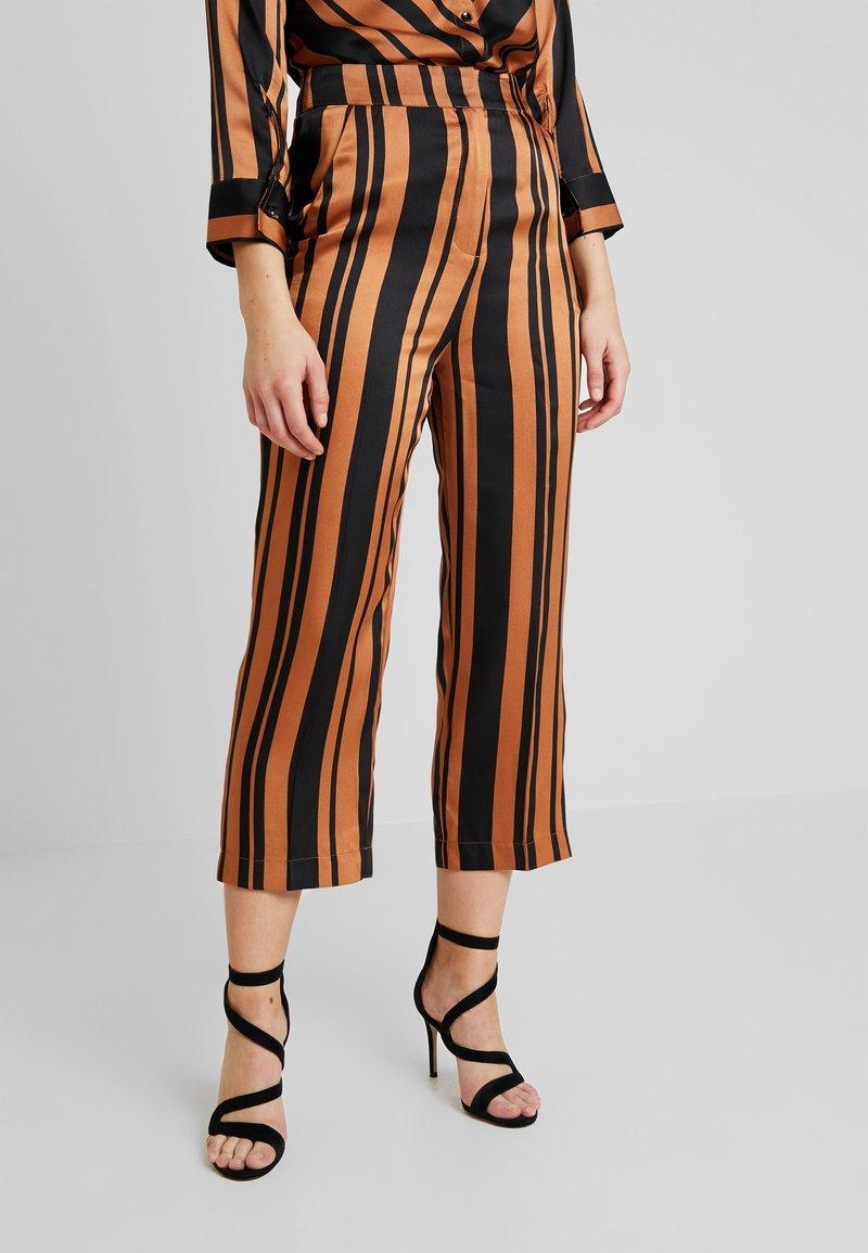 Soaked in Luxury - MOLLIE PANTS - Bukser - pecan brown