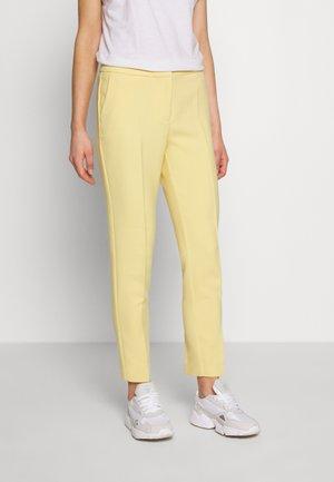 SLISHANI FRIKKA PANTS - Pantalones - rattan