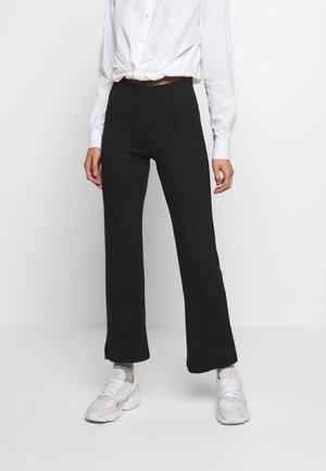 GENEVIEVE PANTS - Spodnie materiałowe - black