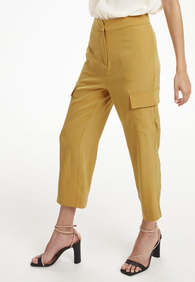 SLLEVY CROPPED PANTS - Pantalones - amber gold