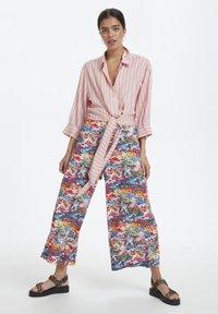 Soaked in Luxury - SLARJANA CULOTTE PANTS - Trousers - multi-coloured - 0