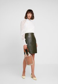 Soaked in Luxury - FOLLY SKIRT - Pencil skirt - forest night - 1