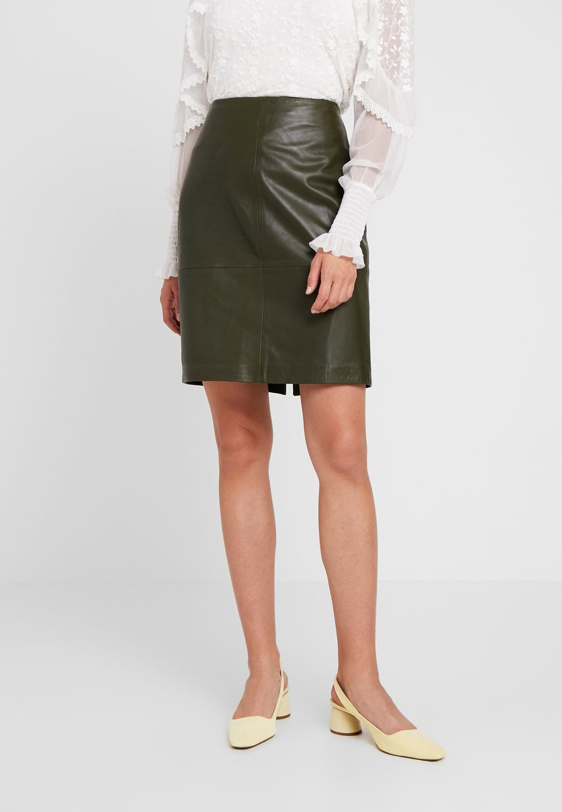 Soaked in Luxury - FOLLY SKIRT - Pencil skirt - forest night