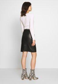Soaked in Luxury - FOLLY SKIRT - Pencil skirt - black - 2