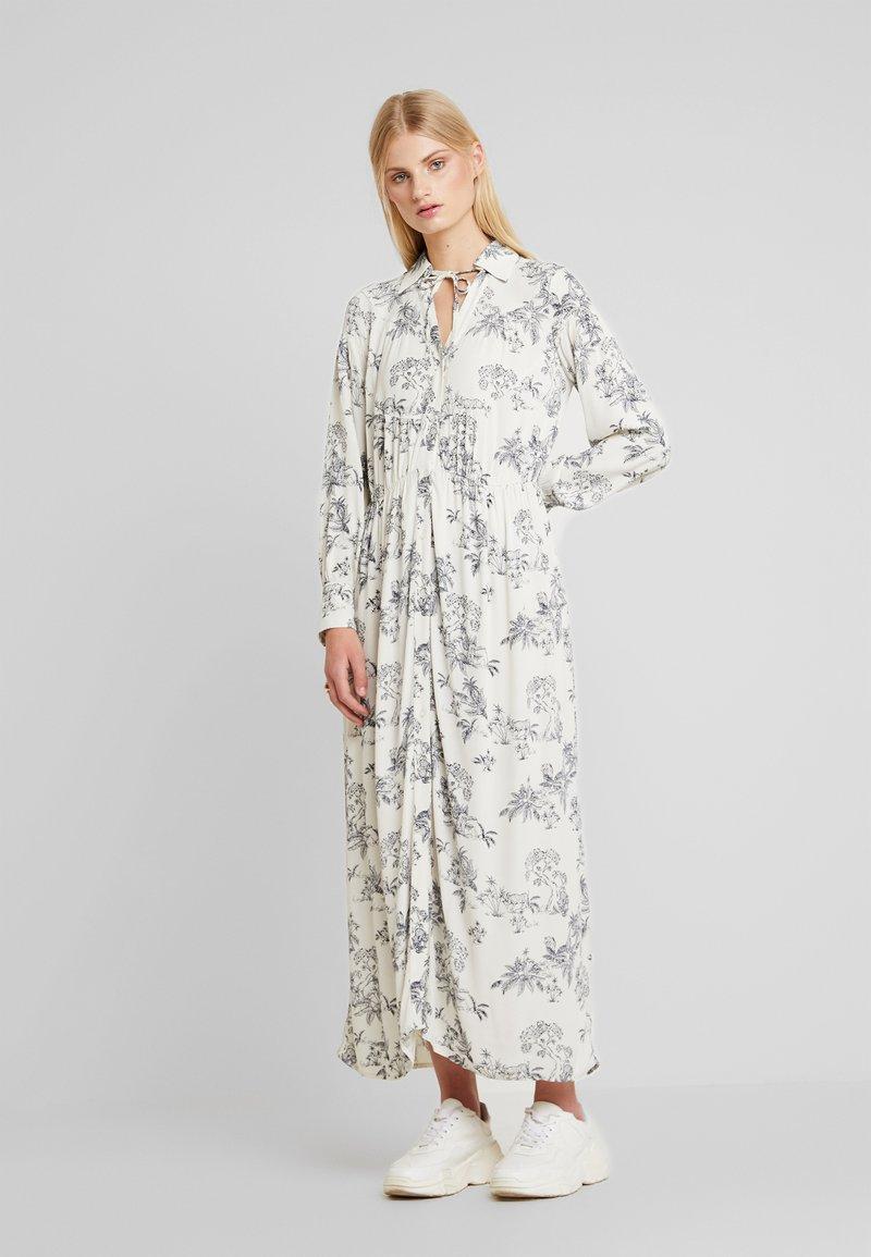 Soaked in Luxury - MIMI DRESS - Maxikleid - antique white