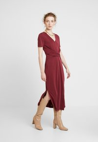 Soaked in Luxury - SEPIA DRESS - Vestido largo - zinfandel - 1