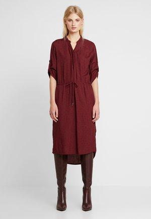 SANDIE ZAYA DRESS - Skjortklänning - zinfandel/black