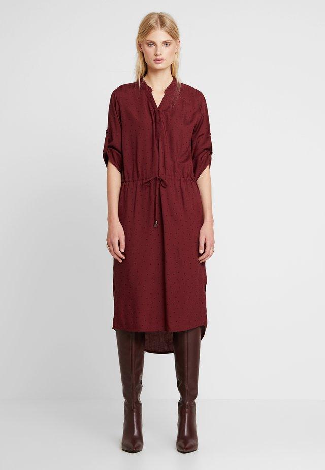 SANDIE ZAYA DRESS - Blusenkleid - zinfandel/black