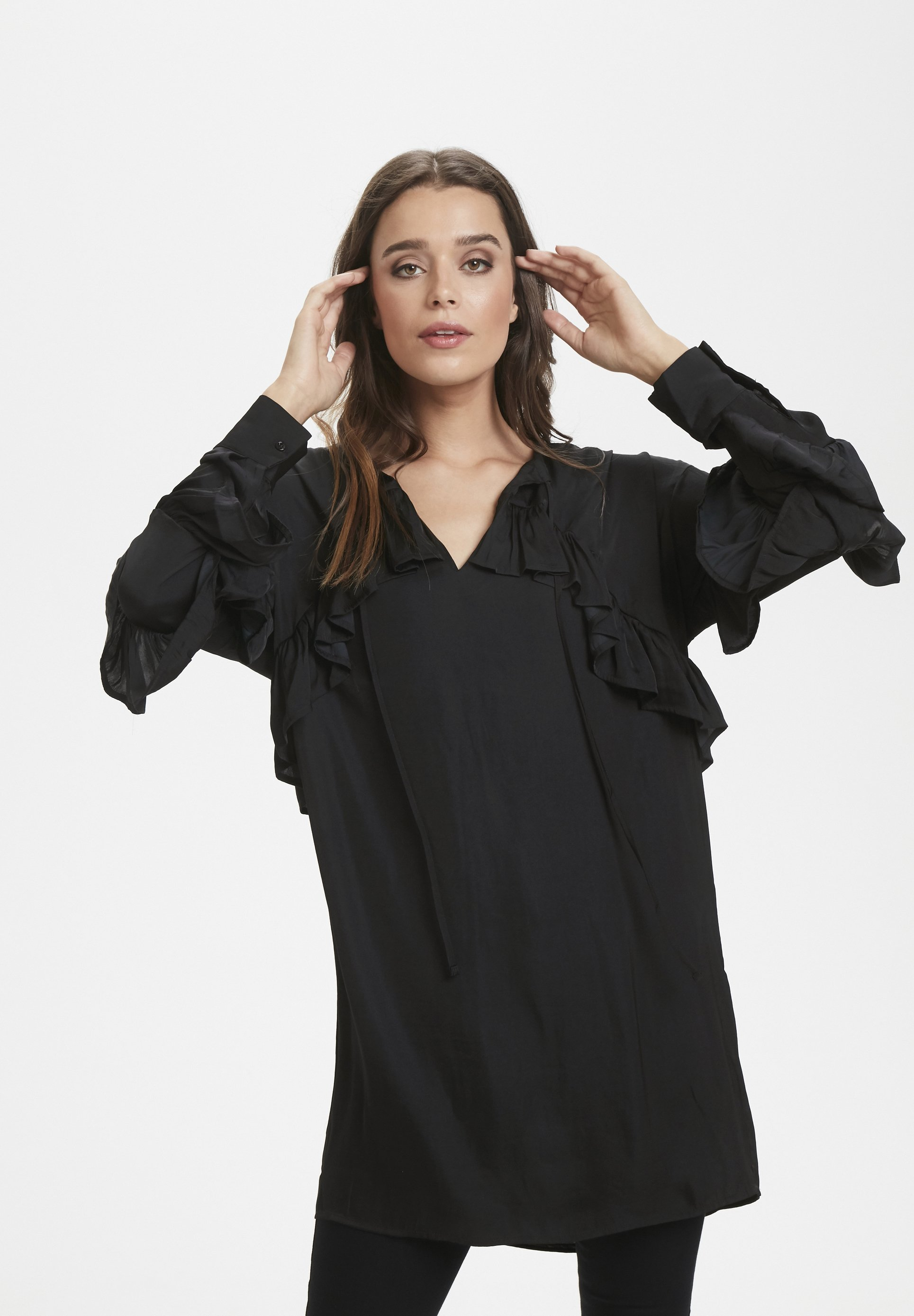 Soaked in Luxury EVERLYN- Tunique black