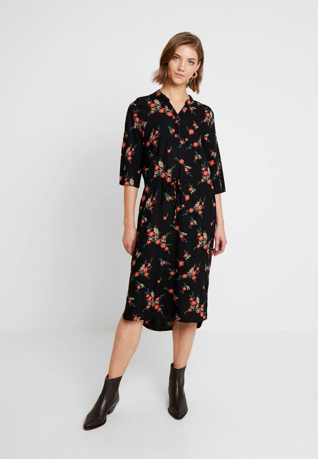 SLKINDRA ZAYA DRESS - Košilové šaty - black
