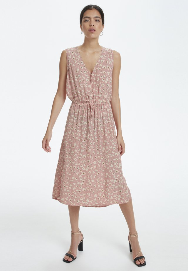 SOAKED IN LUXURY SLJACINTO DRESS - Sukienka letnia - bridal rose flower print