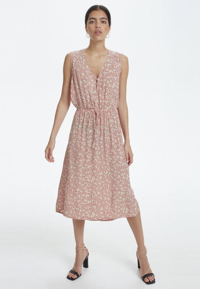 SOAKED IN LUXURY SLJACINTO DRESS - Vestido informal - bridal rose flower print