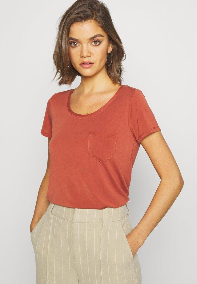 T-Shirt basic - barn red