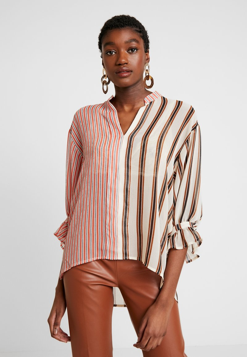 Soaked in Luxury - MILY BLOUSE - Bluse - burnt ochre pattern