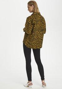 Soaked in Luxury - SLAPIYO SHIRT JACKET LS - Summer jacket - mustard wood - 2