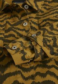 Soaked in Luxury - SLAPIYO SHIRT JACKET LS - Summer jacket - mustard wood - 6