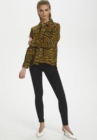 Soaked in Luxury - SLAPIYO SHIRT JACKET LS - Summer jacket - mustard wood - 1