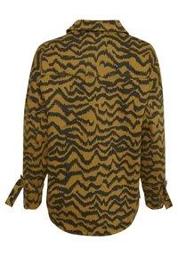 Soaked in Luxury - SLAPIYO SHIRT JACKET LS - Summer jacket - mustard wood - 8
