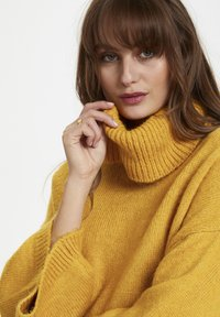 Soaked in Luxury - SLVIVIAN ROLLNECK - Trui - mineral yellow - 4