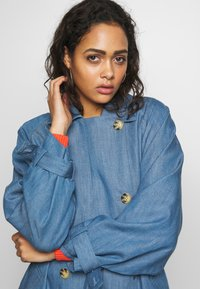 Soaked in Luxury - Trench - light blue denim - 3