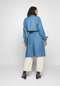 Soaked in Luxury - Trench - light blue denim - 2