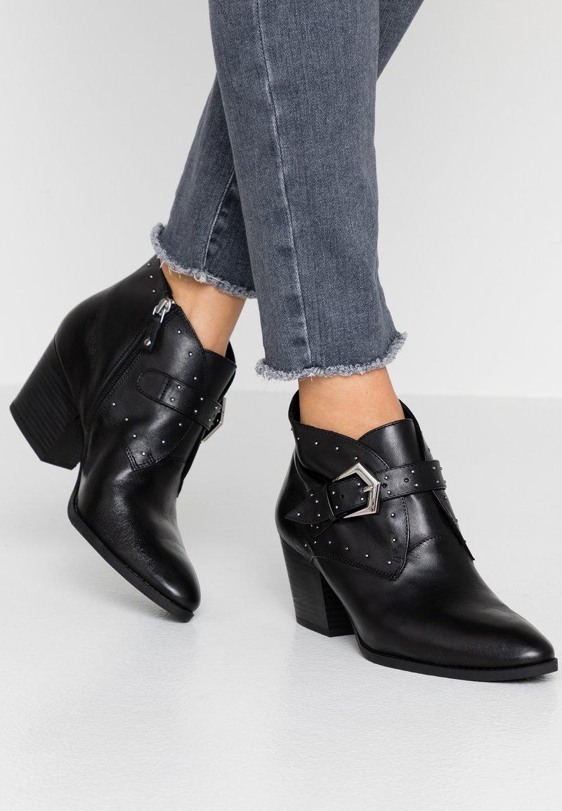 s.Oliver BLACK LABEL - Boots à talons - black